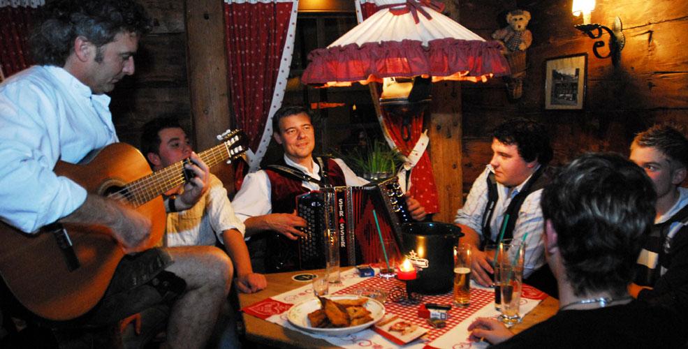 Apres Ski Bar Tirol